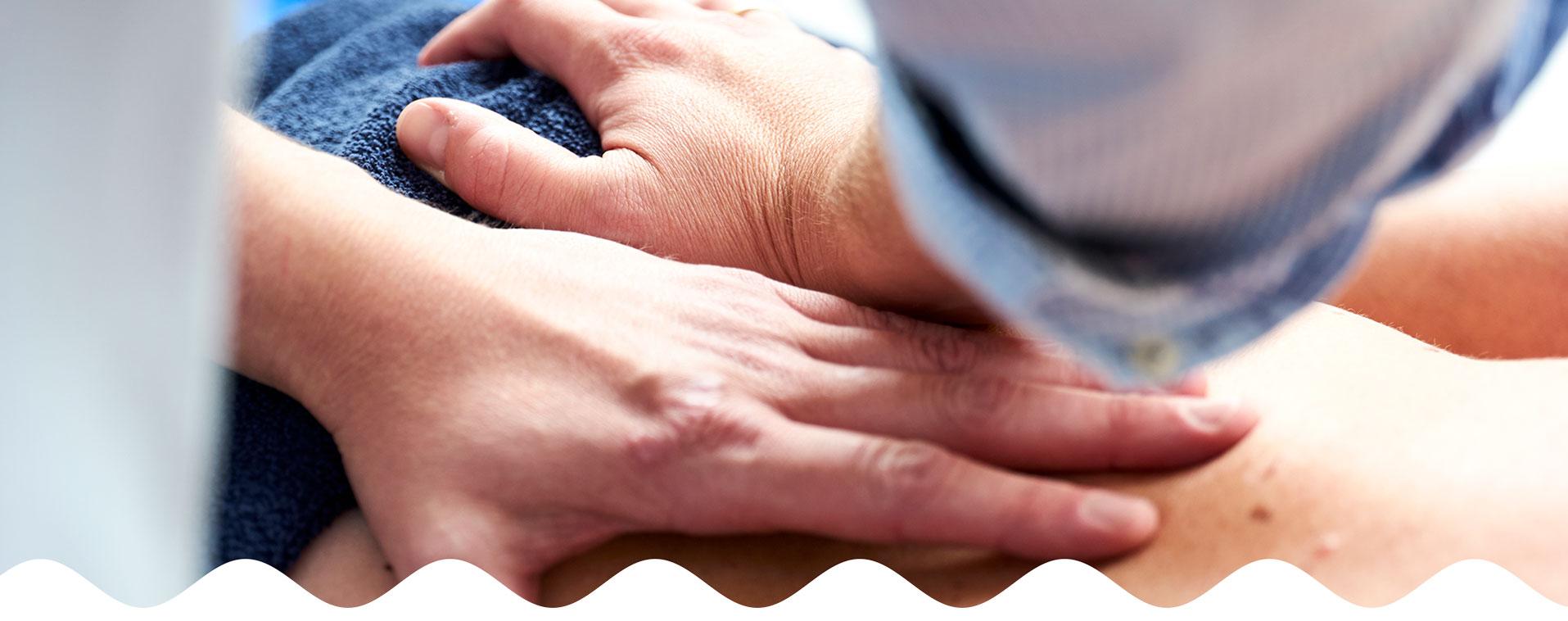 Massagebehandeling door fysiotherapeut | Fysio Stenia Zeist